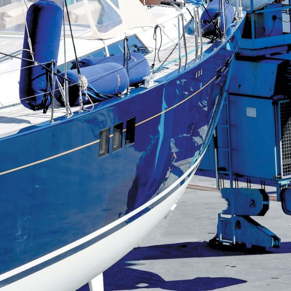 Peintures et finition pour la marine